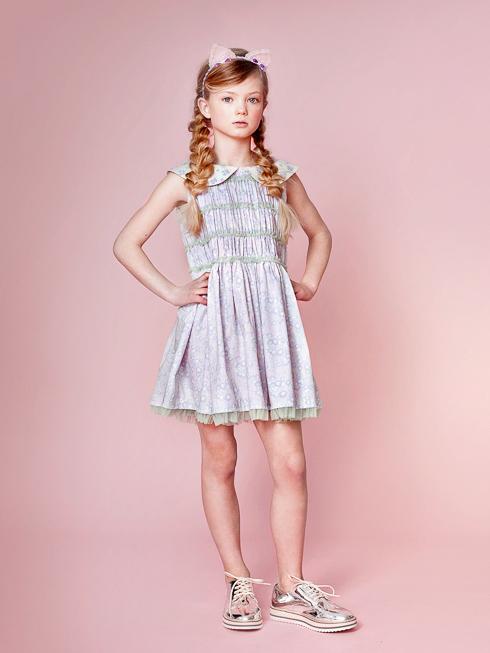 ラベンダーパステルフラワー着用画像(年齢8才、身長137cm、着用サイズ130cm)