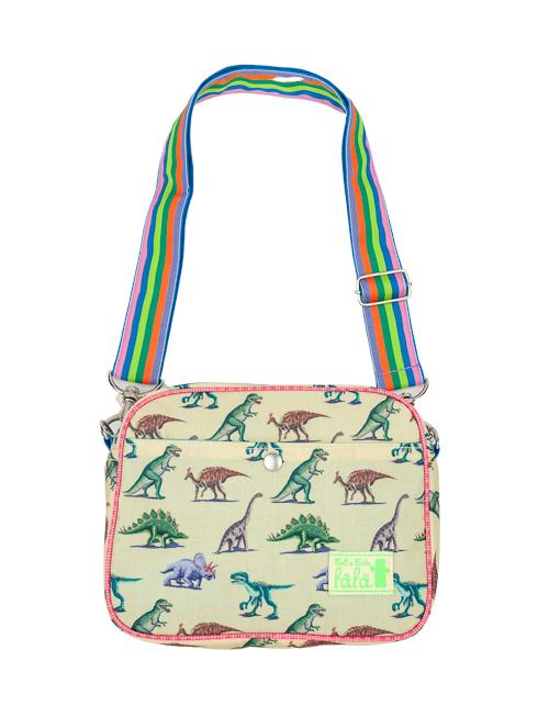 ダイナソー(恐竜)柄の通園バッグです。